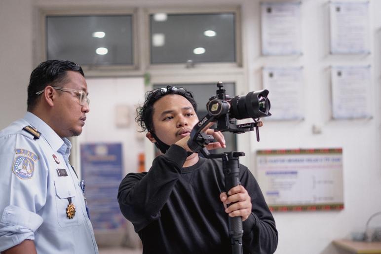 Bekerjasama dengan Videographer Professional